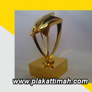 trophy timah  6
